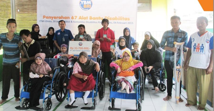 YBM BRI serahkan alat bantu disabilitas