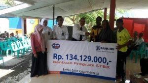 YBM_Salurkan Bantuan Program Sanitasi Total Berbasis Komunitas Di Pesantren Walisanga Ende2