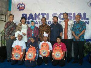 Gelar Operasi Katarak, Pemeriksaan Kesehatan, dan Bantuan Pendidikan untuk Warga Semarang