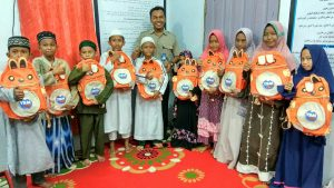 Berikan Paket Pendidikan Untuk 50 Anak-anak Penghafal Al Qur'an