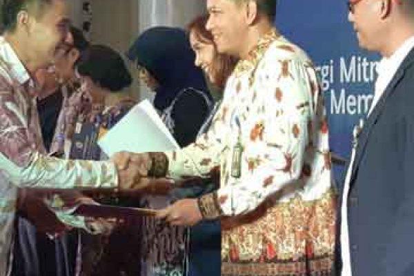 Penghargaan Beasiswa Universitas Gajah Mada Yogyakarta (UGM)