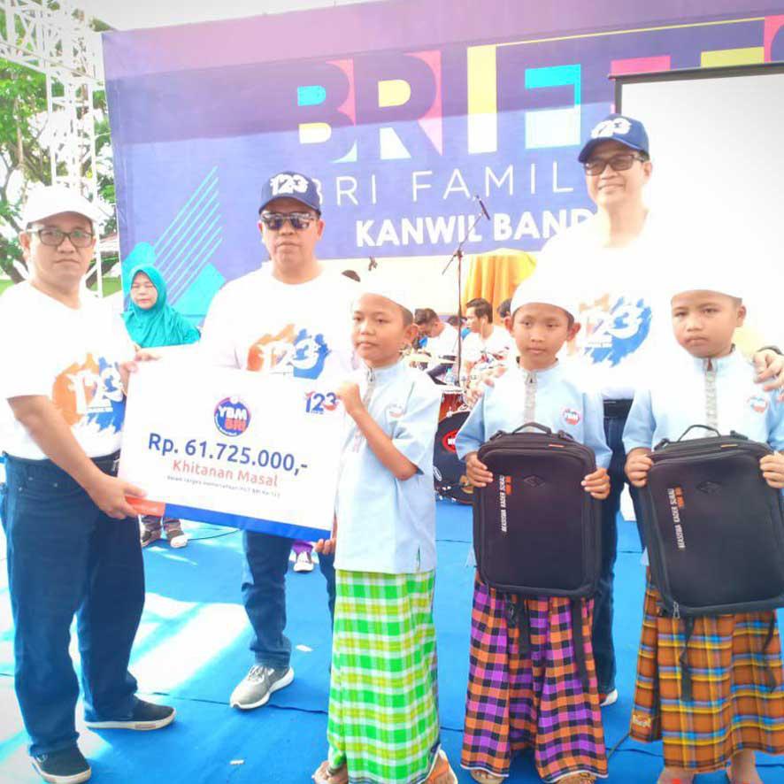 YBM BRI Gelar Khitanan Massal Anak – Anak Dhuafa di Lampung
