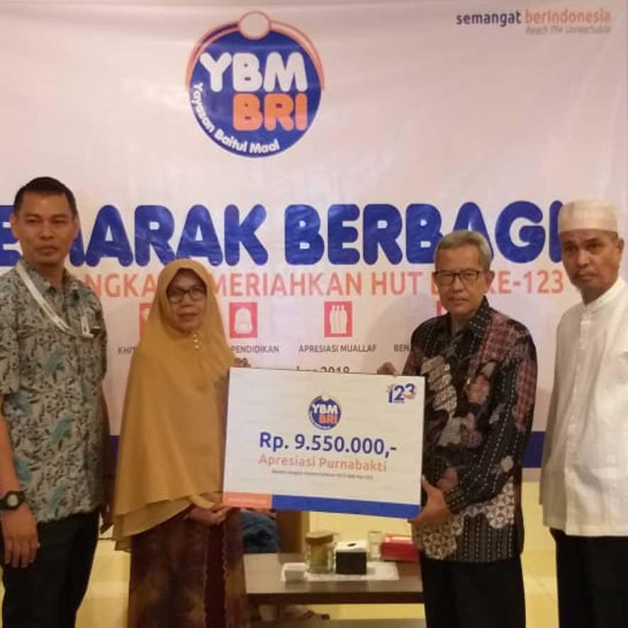 YBM BRI Pekanbaru Peduli Kesehatan Purnabakti