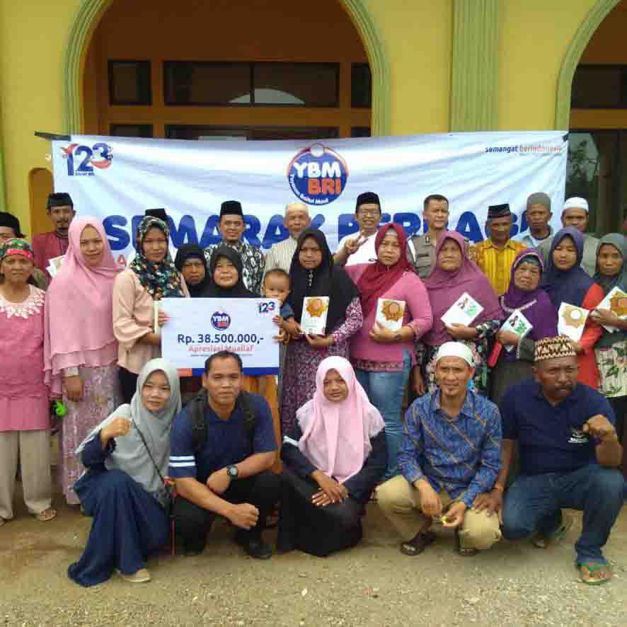 YBM BRI Kanwil Bandar Lampung Berikan Kado Mualaf di Lampung Timur