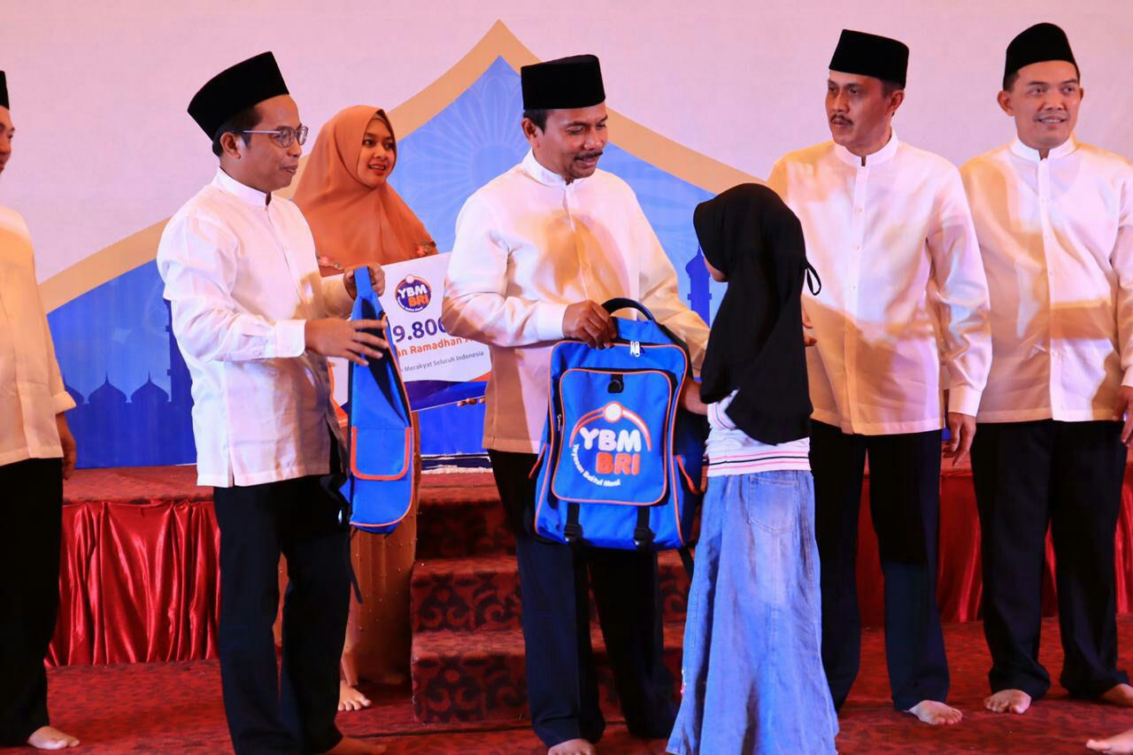Ramadhan Merakyat YBM BRI Salurkan Rp 8 Miliar