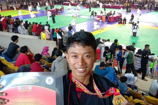 Rasyid Sang Juara